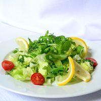 Így megy el a kedvünk a zacskós salátától