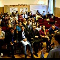 A kormánymédia már ott tart, hogy diákokat próbál lejáratni, mert elmondják a véleményüket