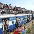 Balkáni állapotok a MÁV-nál: tucatnyi utas nem fért föl a Nyugatiba tartó vonatra