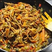 Zöldséges tészta rákkal, tonhallal, lazaccal és avokádóval :D