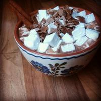 Fűszeres forró csoki házi pillecukorral
