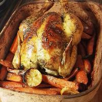 Ropogós egész csirke - 10 perc ráfordítással