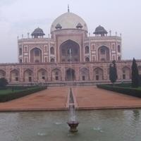 Ujev Delhiben