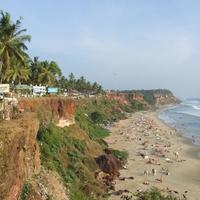 Kokusz-palmak, tenger, puttu, kathakali, foldieink -  egy het Varkalaban