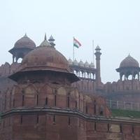 Szmog, kaosz es egy birodalom romjai - Delhi