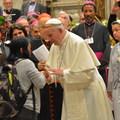 Korszakalkotó precedens született a katolikus egyházban: házas férfiak papsága, női diakonátus