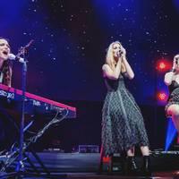 Tarja: Így hangzik a Together Charlotte Wessels és Elize Ryd énekével