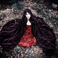 Dark Sarah: újabb videó, 18.-án pedig boltokban a nagylemez