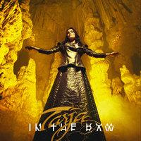 Albumpremier: Tarja - In The Raw