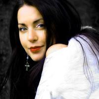 41 éves lenne Aleah Stanbridge