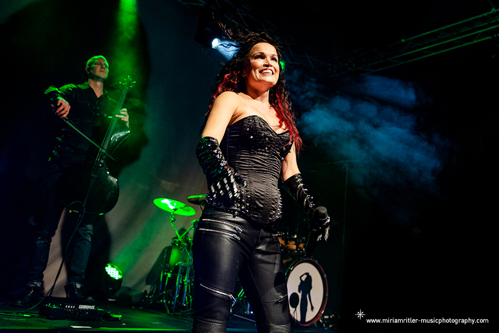 tarja04.jpg