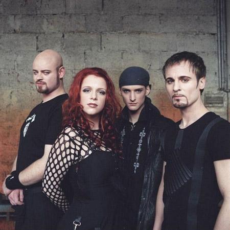 the-promotional-photos-of-the-album-ravenheart-xandria-25551681-450-450.jpg