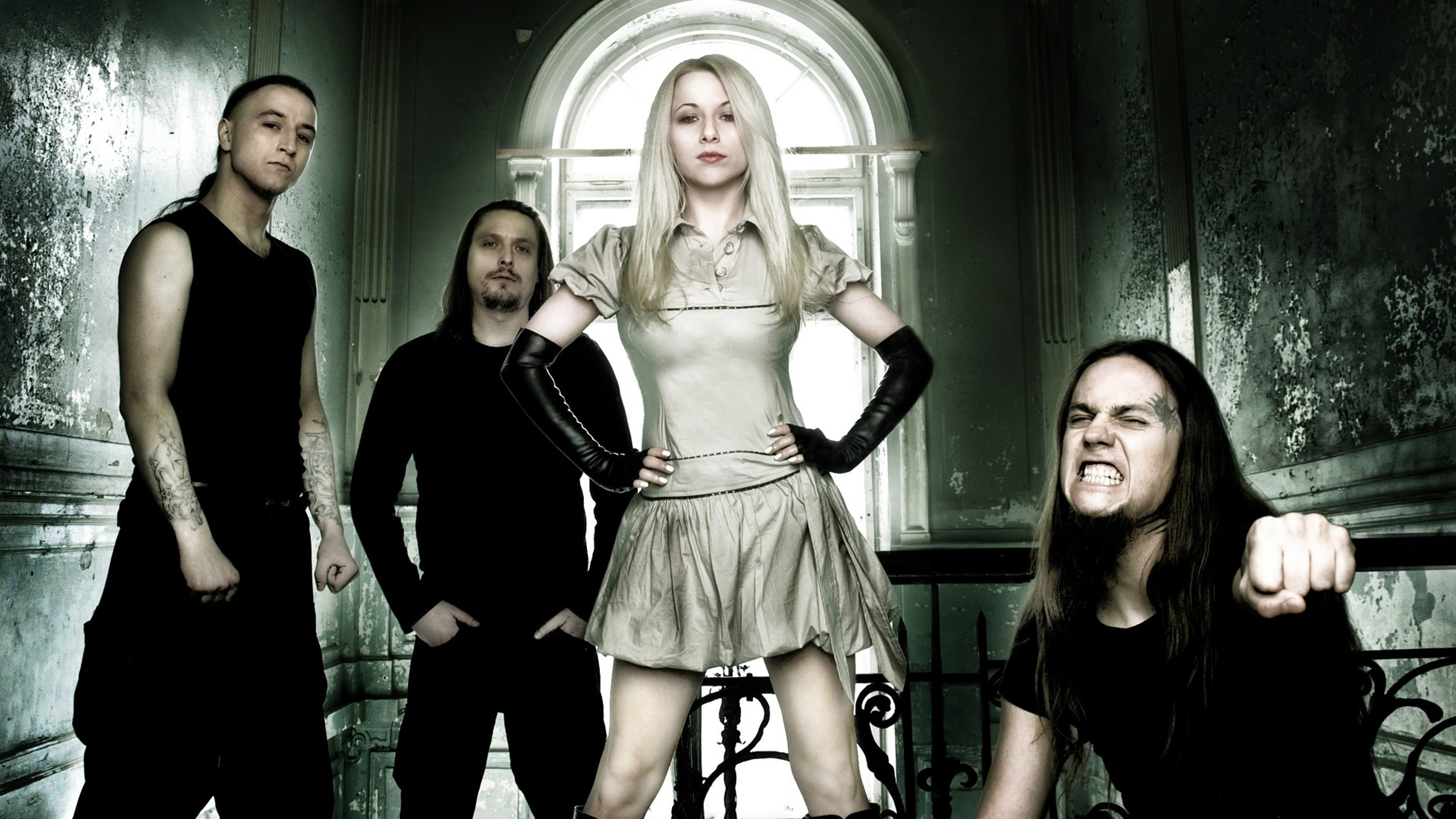 unsun_blonde_girl_band_teeth_14538_3840x2160_1.jpg