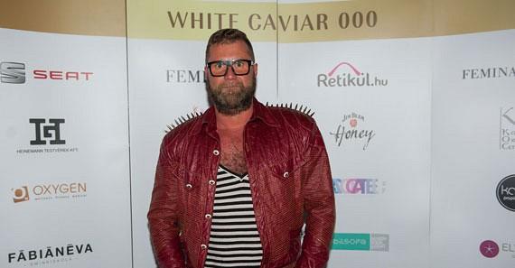 Herczeg Zolit is érdekelték a White Caviar ihlette ruhaköltemények.