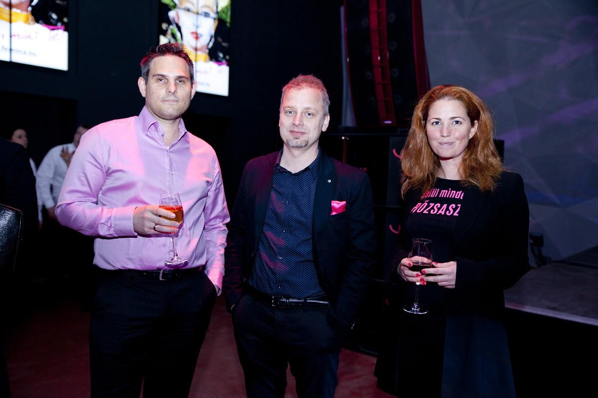 Kiss Péter, a CEMP Sales House értékesítési igazgatója, Andacs Botond, a Fidelio Media ügyvezető igazgatója, Sákovics Diana, a Dívány.hu főszerkesztője