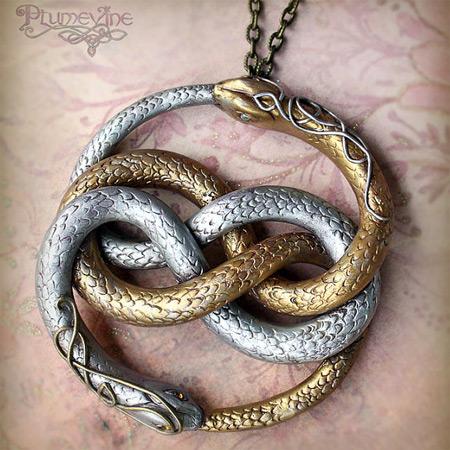 auryn-amulet.jpg