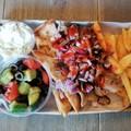 Ha unod már a sarki kebabost: itt egy cuki görög giroszos Budapesten