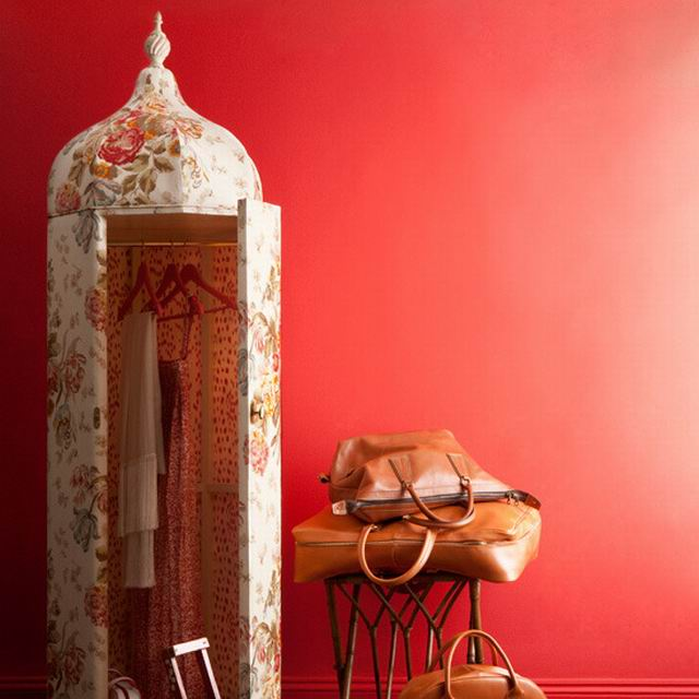 Bedroom-dressing-area Fhomes and gardens.jpg