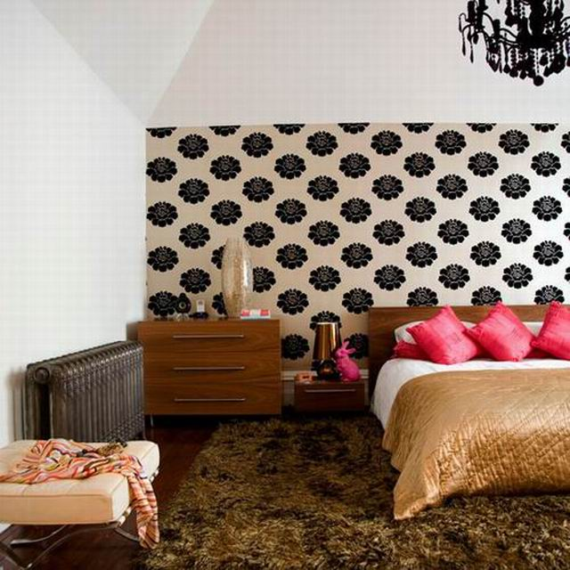 bedroom-wallpaper-feature FAntony Crolla.jpg