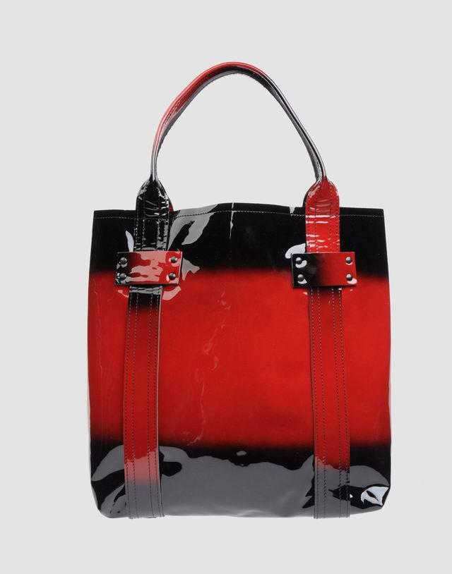 Parancsol egy szép táskát?
