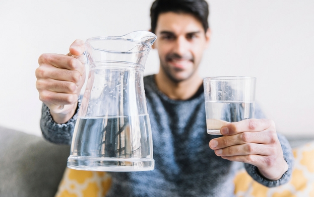 benefits-of-drinking-water-on-empty-stomach.jpg