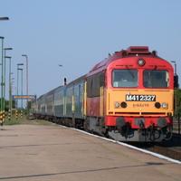Mikor lesz végre vállalható vasúti közlekedés a Balatonra?