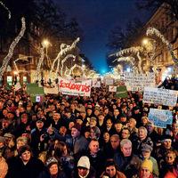 A békés többség és az Operaház ostroma