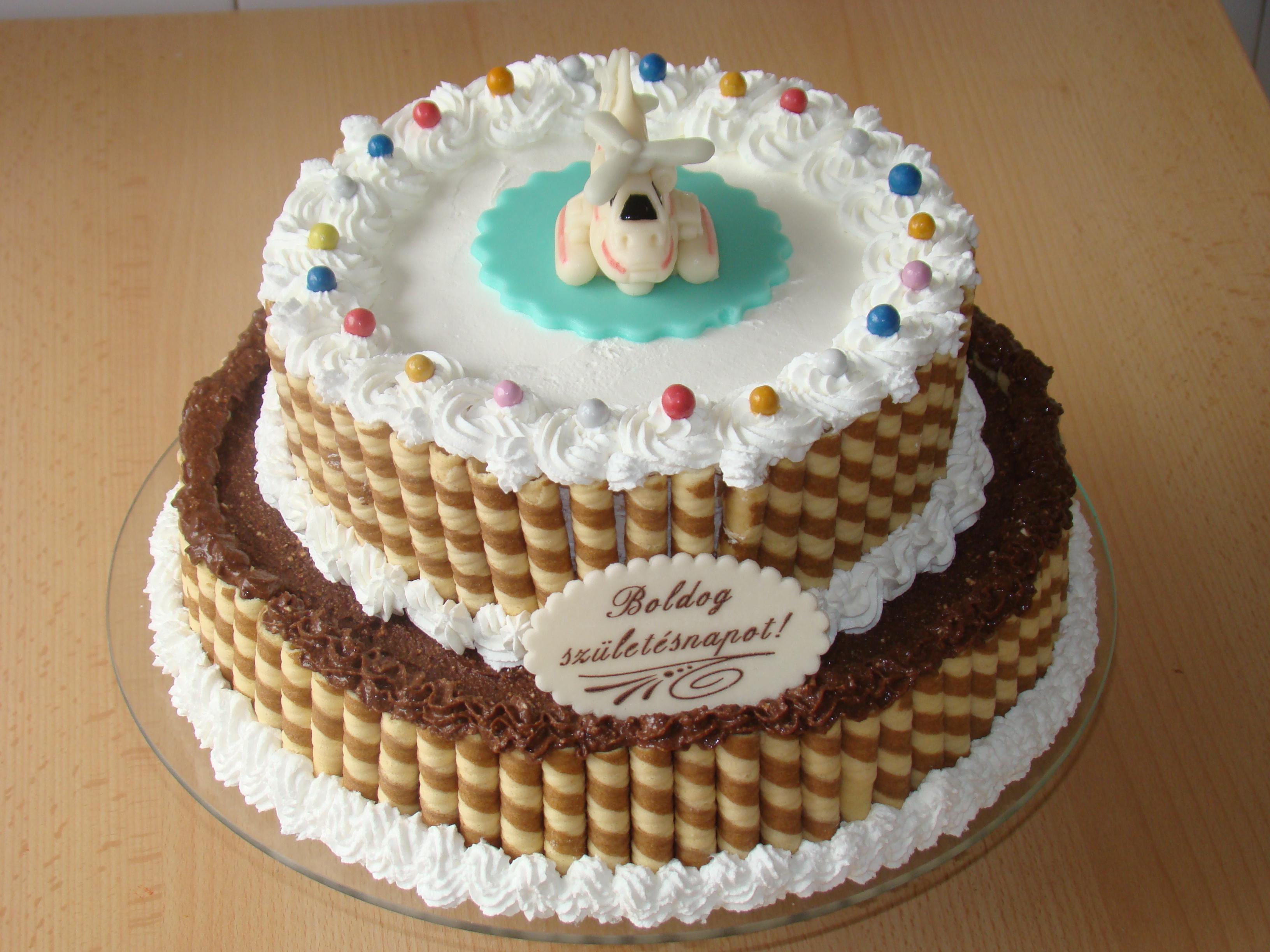 emeletes torta képek Citromos  csokis emeletes torta   FerdePiskóta emeletes torta képek