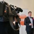 Kampányígéretei ellenére bérlakásokat adna el Pikó András józsefvárosi polgármester