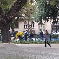 Kulturált a felújított Ferenc tér, de ott is dolgozott az ürülékkenegető