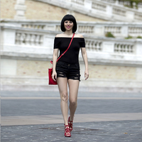 Black and red summer look