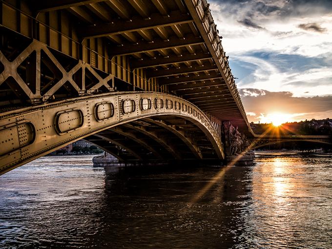 sunset-margit-bridge.jpg
