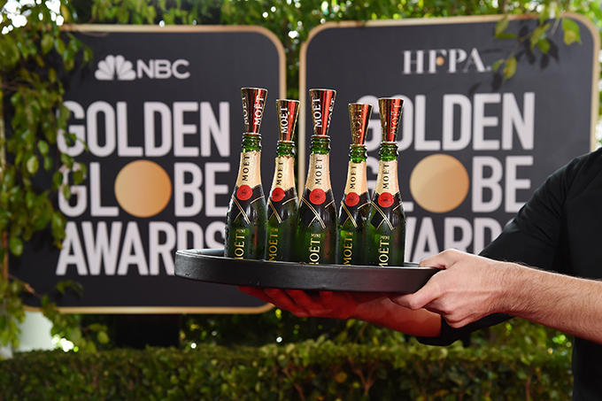 moe_t_chandon_at_the_77th_golden_globes_2.jpg