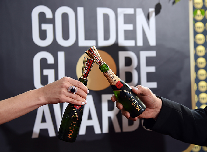 moe_t_chandon_at_the_77th_golden_globes_5.jpg
