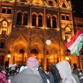 """""""Sokkoló"""" képek a harmadik napi tüntetés éjjeléről! Ezt csinálta a """"Soros-brigád""""!"""