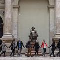 Tényleg elvitték a Marx-szobrot a Közgázról (Fotók)