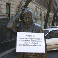 A Columbo-szobor is kritikus Rogánnal (+Fotó)