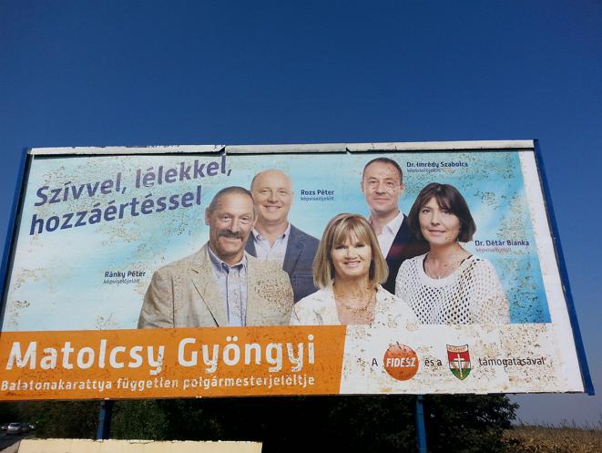 Matolcsy_Gyorgy_Matolcsyne_Gyongyi_oriasplakat_Balatonakaratty_fuggetlen_Fidesz_KDNP_polgarmesterjelolt.png