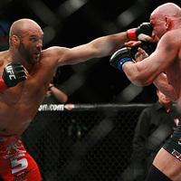 UFC 109: Couture megverte Colemant, aki kiszáll