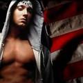 Eminem váltósúlyú boxolót fog alakítani új filmjében a Southpaw-ban...