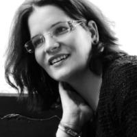 Első nap, első szekció, első előadó - Balog Edit Otilia mutatkozik be