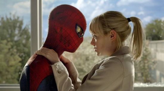 Andrew-Garfield-and-Emma-Stone-in-The-Amazing-Spider-Man-2012-Movie-Image2-600x332_1.jpg