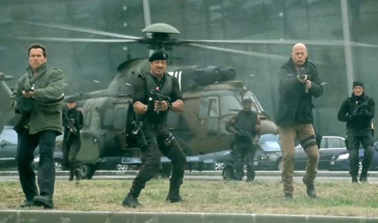 arnold-schwarzenegger-sylvester-stallone-and-bruce-willis-in-the-expendables-2-2012-movie-image1_1.jpg