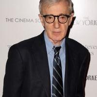Woody Allen Párizsba készül