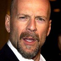 Bruce Willis otthagyta első rendezését