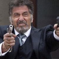 Pacino és Walken lövöldöznek