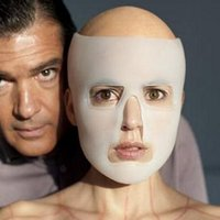 Kép Pedro Almodovar új filmjéből, a The Skin That I Inhabit thrillerből