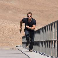 Friss képek az új James Bond moziból