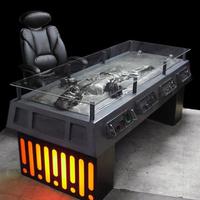 Kérek egy íróasztalt, amiben Han Solo le van fagyasztva
