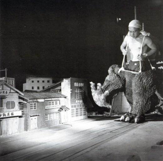 Godzilla-1954-520x515.jpg